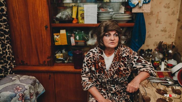 «Она прописана в несуществующем доме»: онкобольную тюменку не стали лишать жилья до лета