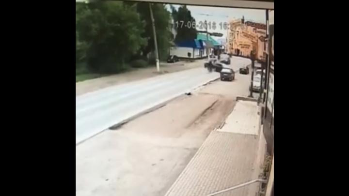 В Башкирии момент ДТП с подростками на скутере засняли на видео