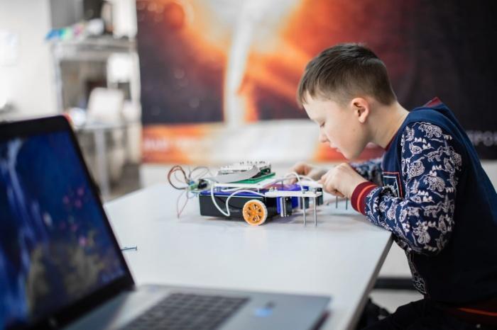 Юные изобретатели показали жюри инженерно-технологические проекты