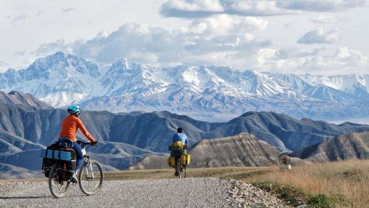 Сибиряки проехали на велосипедах 750 километров по горам Киргизии