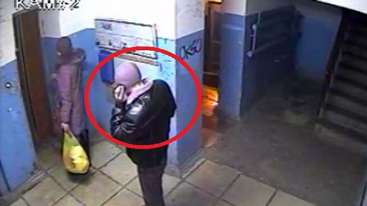 «Окружили в подъезде, выхватили сумку»: как защититься от нетрезвой компании грабителей