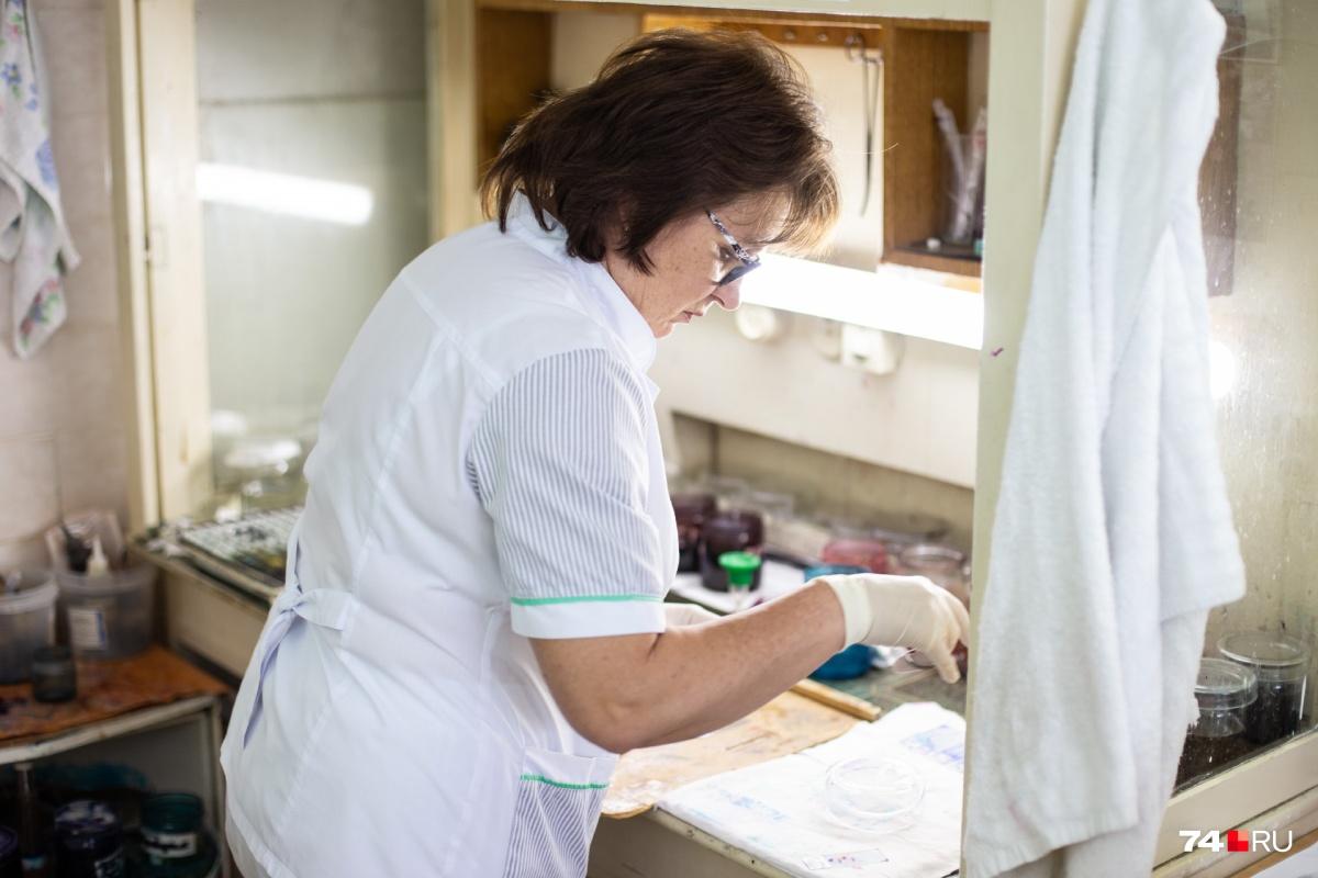 Впатологоанатомическом отделении ГКБ №8 чаще помогают живым людям