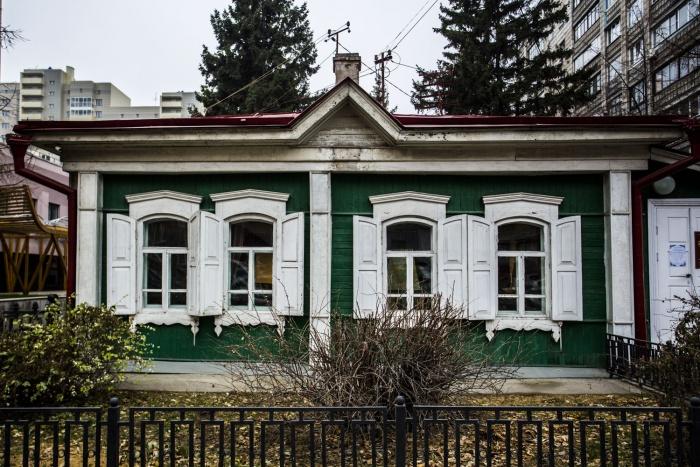 С 1947 года здесь находился мемориальный музей Сергея Кирова