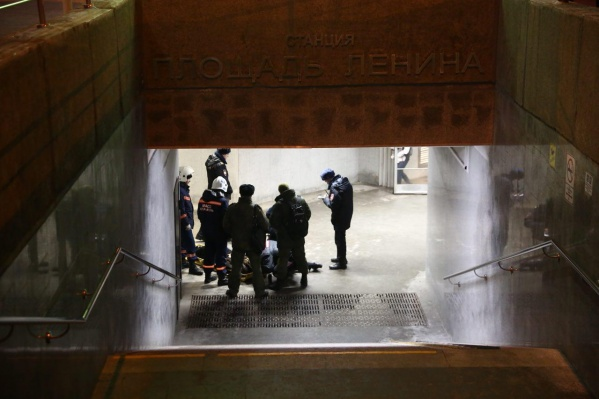 Спасатели МАСС за несколько минут вытащили упавшую на рельсы женщину