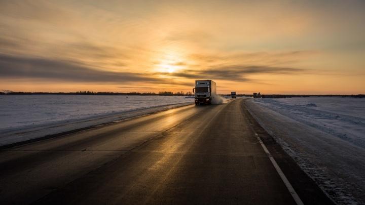Новосибирскую трассу закатают в новый асфальтобетон: ремонт не потребуется 10 лет
