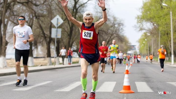 Больше тысячи спортсменов со всей России пробегут по перекрытой Нулевой Продольной Волгограда