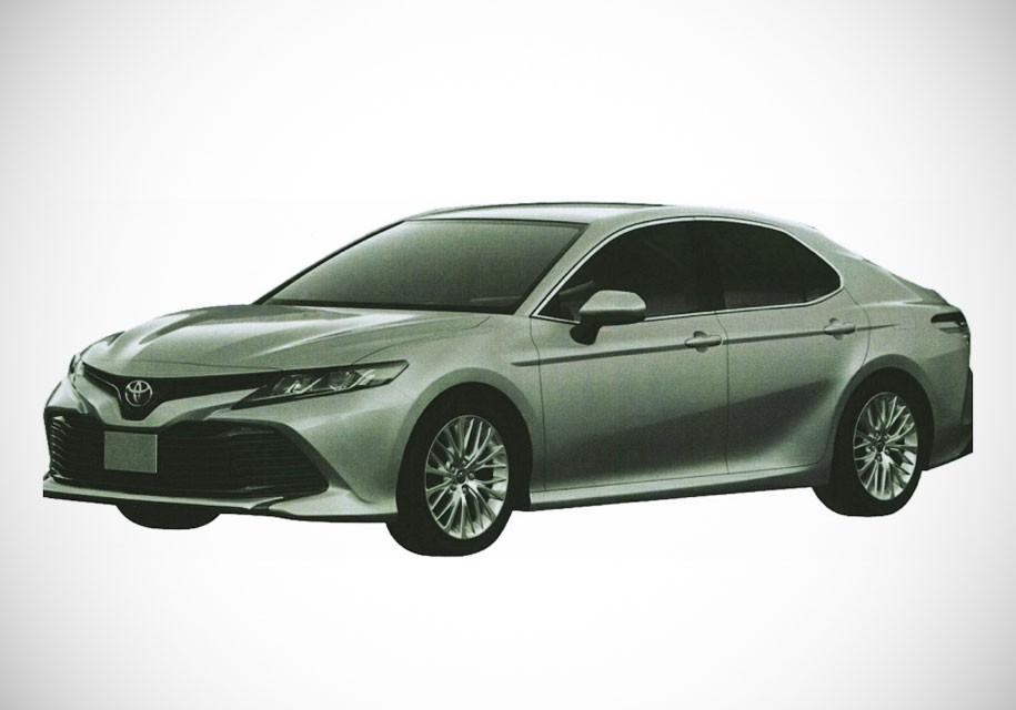 Появились первые изображения новой Toyota Camry для России
