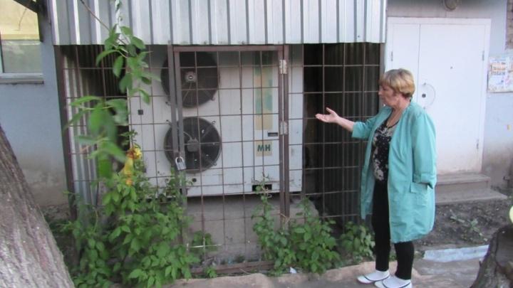 В курганском Роспотребнадзоре объяснили, когда шумным соседям можно пригрозить полицией