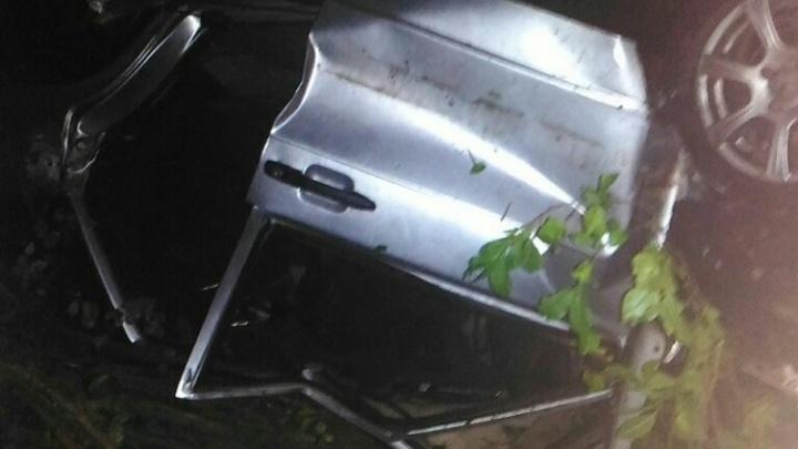 ВАЗ-2114 слетел с трассы под Сызранью после столкновения с микроавтобусом Citroën