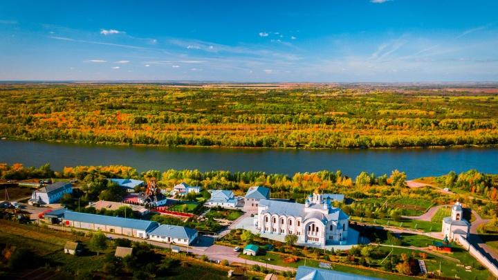 33 золотых купола на берегу Дона: волгоградец снял с высоты Усть-Медведицкий монастырь