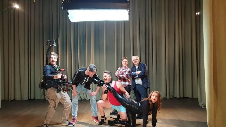 Для нового клипа группы «Чайф» сняли БДСМ-сцену: смотрим фотографии со съемок