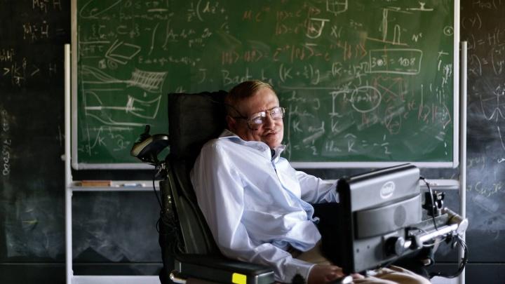 Умер самый известный физик мира Стивен Хокинг