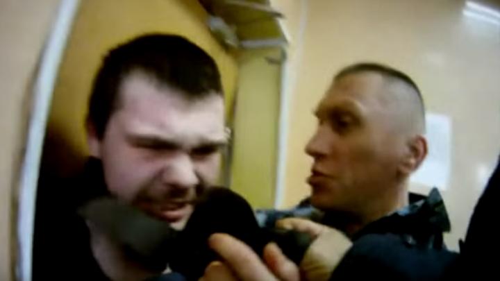 Избил из-за куртки: в Ярославле судят ещё одного экс-сотрудника колонии