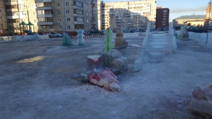 В Уфе вандалы разгромили ледовый городок