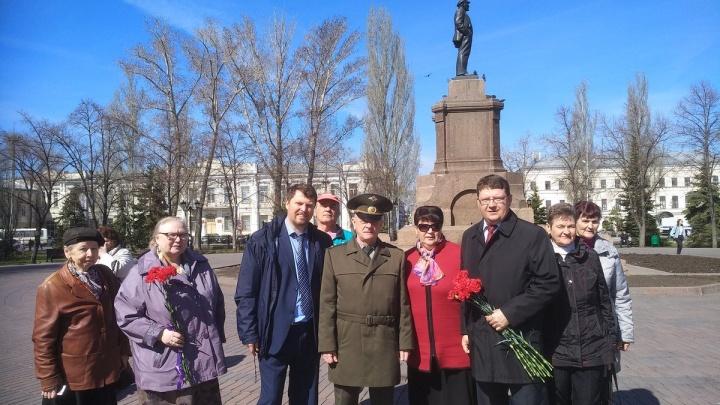 Самарские коммунисты и опальный полковник ГРУ почтили память Ленина