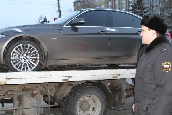 Предприниматель и сам занимался продажей оборудования для машин