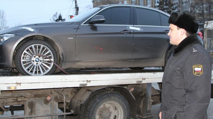 Арест BMW заставил бизнесмена отдать долг за заказанные запчасти