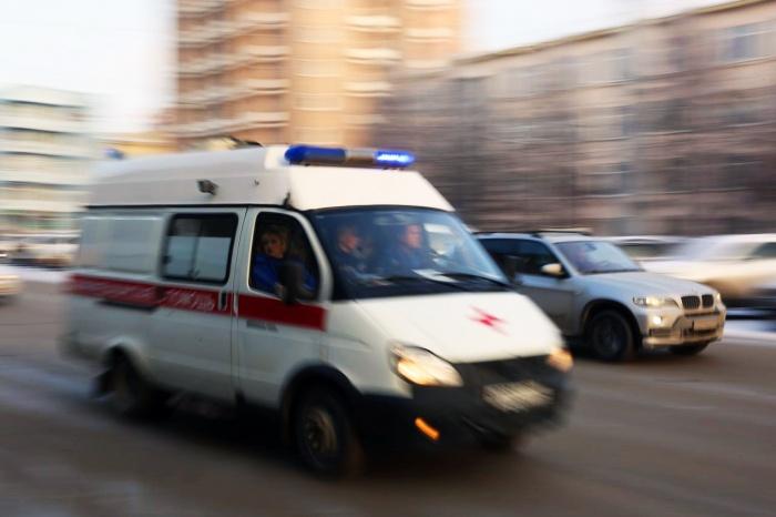 Мальчика увезли в больницу на скорой помощи