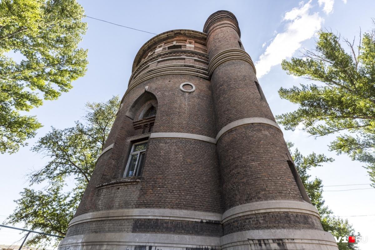 К строительству водонапорных башен подходили со всей ответственностью: их строили и надежными, и красивыми