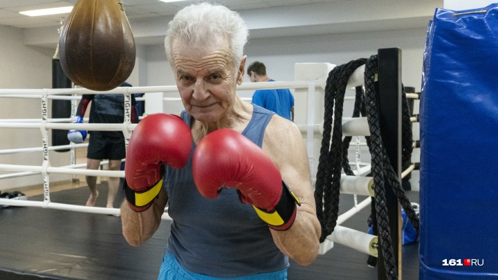 Возраст — не помеха: 82-летний ростовчанин увлекся тайским боксом