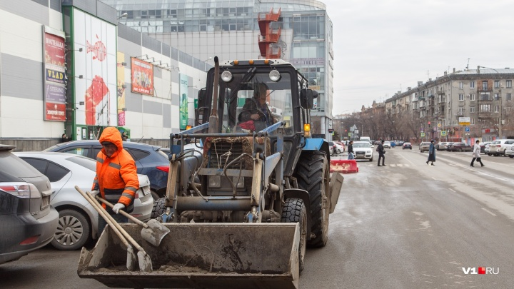 Не путаться под ногами: волгоградским водителям пригрозили массовой эвакуацией из центра города