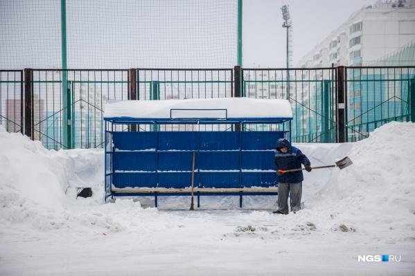 Локоть заявил, что режим ЧС не снимут до тех пор, «пока не прекратятся снегопады»