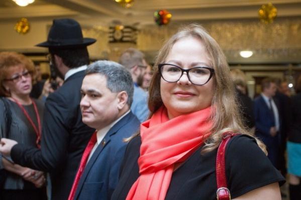 Омская журналистка и коллектив одной гимназии продолжают обмен обвинениями. Каждая из сторон уверена, что стала объектом травли