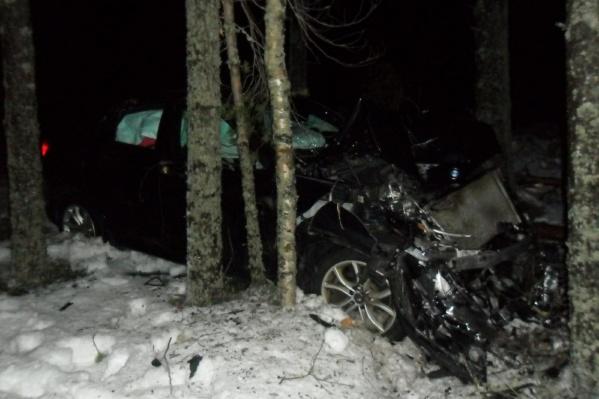 Посл аварии пришлось госпитализировать одну из пассажирок BMW