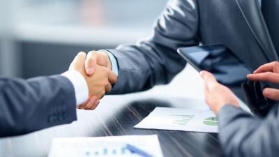 Легко ли найти поручителя по кредиту, и какие риски несёт в себе договор