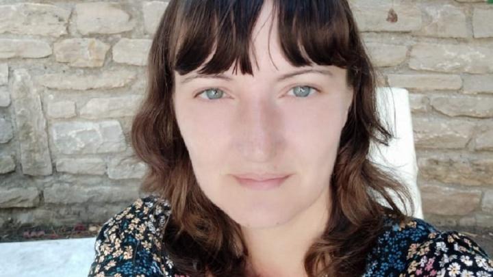 «Поймала попутку и уехала»: в Екатеринбурге женщина исчезла по пути домой