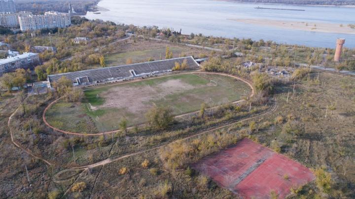 Так умирала «Сталь»: в Волгограде превращается в руины стадионс полувековой историей ценой в 1 млрд