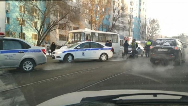 У Крымской площади автобус сбил насмерть пешехода