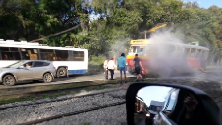 Уфимцев напугал задымившийся трамвай