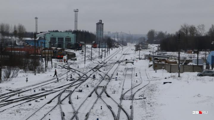 Станция в «швейцарском стиле»: фоторепортаж из Исакогорки — забытого Архангельска Саввы Мамонтова