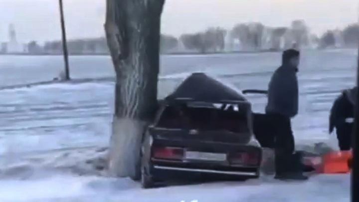 Один человек погиб, второй — ранен: под Ростовом из-за снегопада произошла серьезная авария
