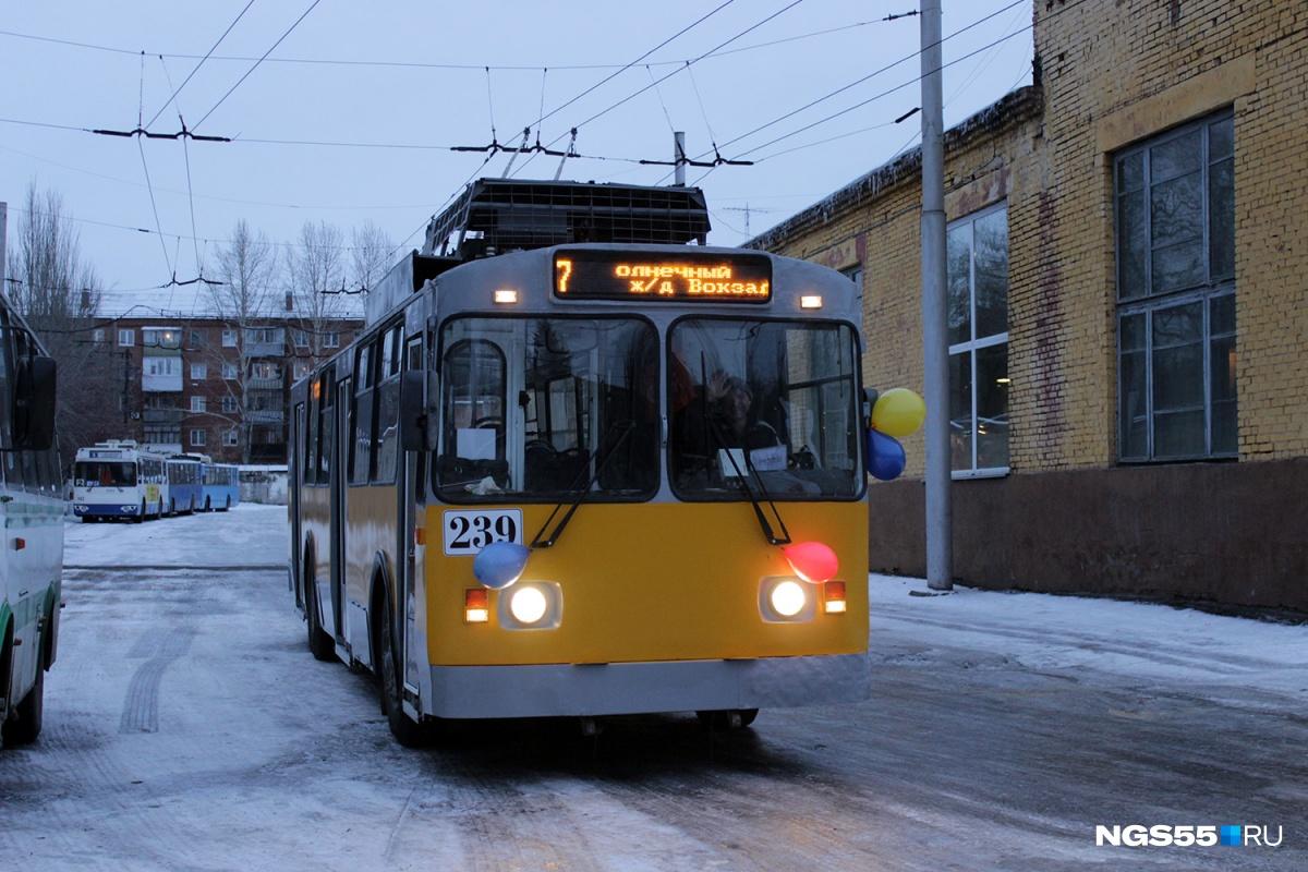 Обновлённый троллейбус выехал в город сегодня утром