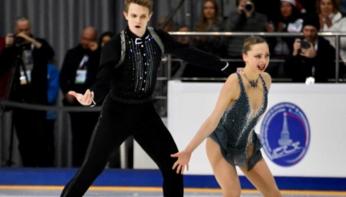 В Красноярске определили чемпионов по фигурному катанию среди женщин и пар
