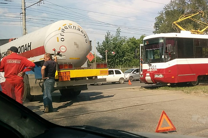 Авария случилась недалеко от остановки «Палласа»