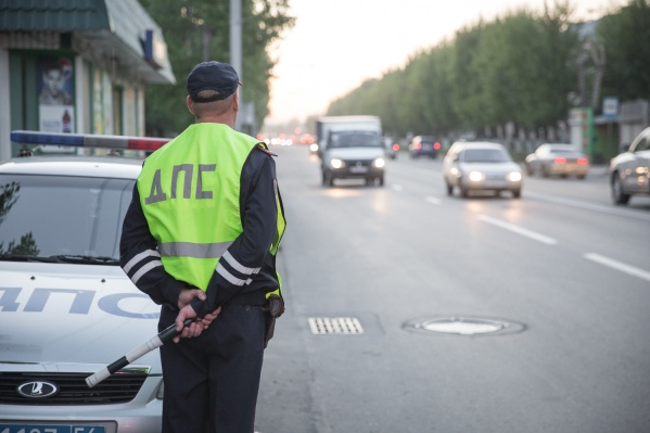 За пьяную езду водителей штрафуют и лишают прав
