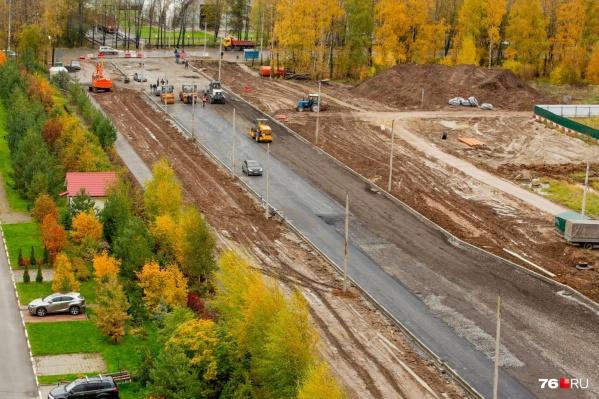 В этом году строят продолжение улицы Панина в Брагино. В планах — расширить улицу Ньютона