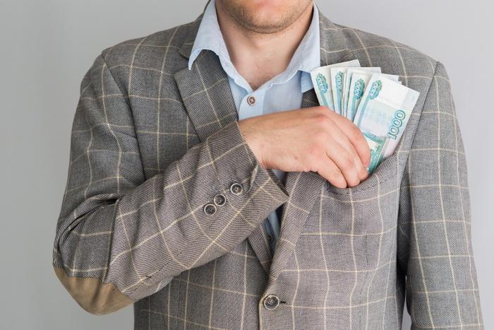 Чтобы расплатиться с долгами, руководители предприятия продали квартиру