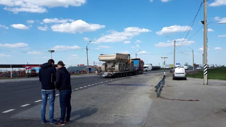 Волгоградские дальнобойщики отправились на акцию протеста перевозчиков России под Ростовом-на-Дону