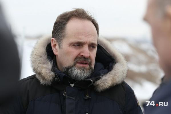 Сергей Донской бегло осмотрел заводы и провёл совещание за закрытыми дверями