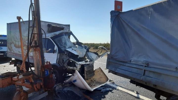 «Два месяца назад у него родилась дочь»: на трассе Волгоградской области разбился водитель «Газели»