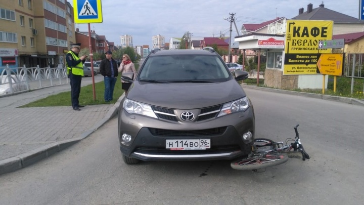 «Опаздывал в школу и решил проскочить»: в Краснолесье подростка на велосипеде сбил внедорожник