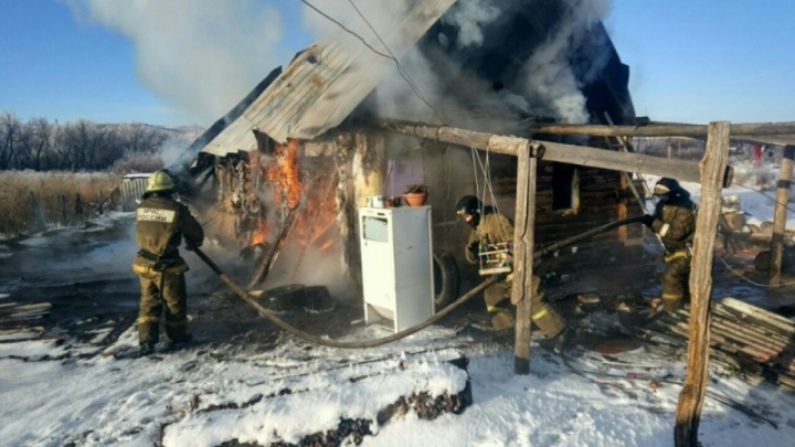 Семья с пятью детьми в Башкирии лишилась дома