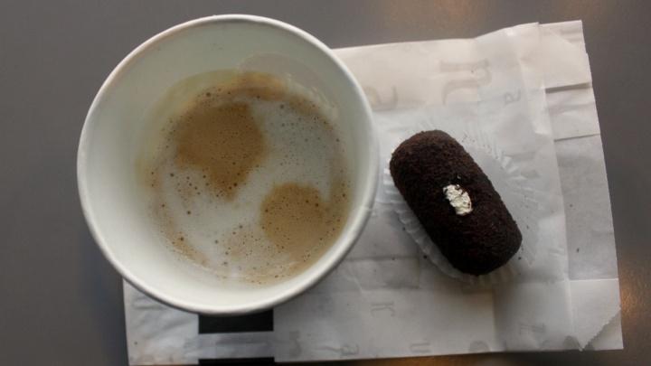 Новосибирские кондитерские начали раздавать полицейским бесплатный кофе