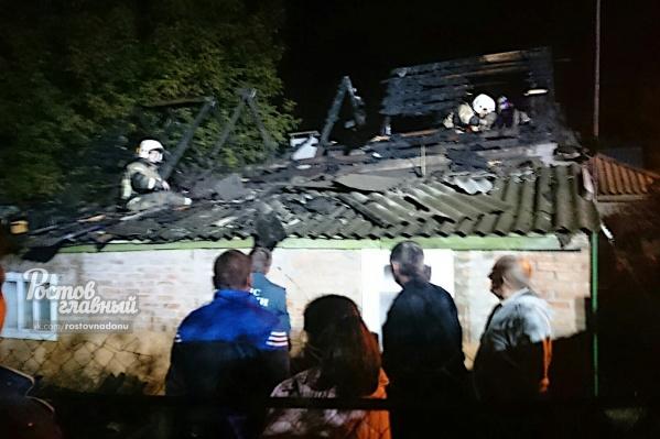 У дома полностью сгорела крыша
