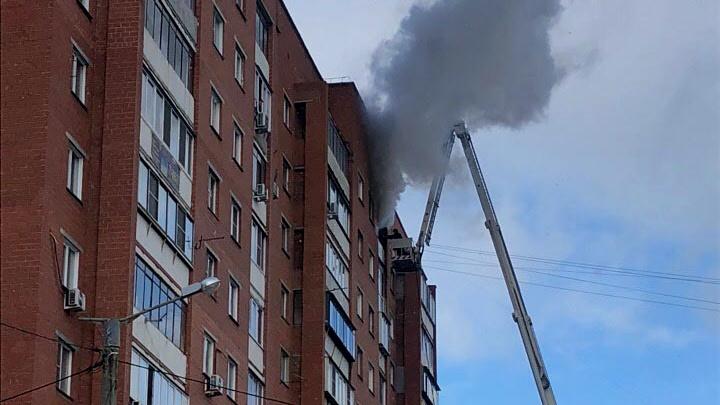 «Загорелся балкон»: житель десятиэтажки пострадал во время пожара на северо-западе Челябинска