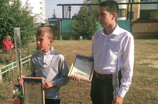 «Неожиданно встретили в магазине»: волгоградские школьники помогли полиции задержать мошенника